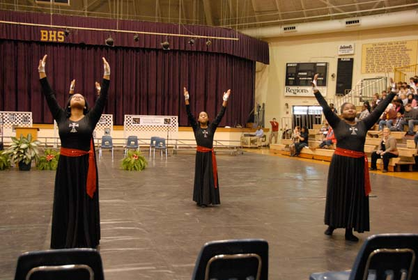 """The Mount Olive M.B. Church Praise Team performed a praise dance to the popular contemporary gospel song, """"Let the Church Say Amen."""""""