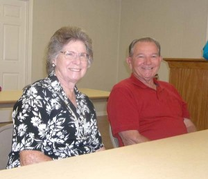 Special guest from San Antonio, Texas are Betty and Charlie Wyatt, sister and brother-in-law of President Bonnie Maloy.